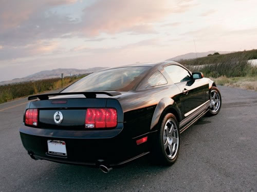 2005_ford_mustang_GT500x375
