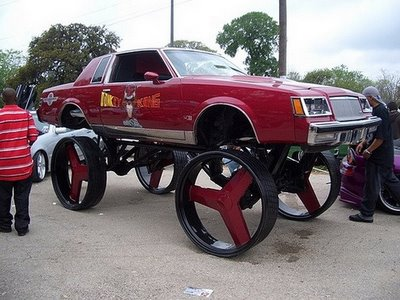 Kong Rims on Crazy Car With Donkey Kong Stickers And Enormous Wheels