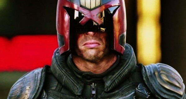 Judge-Dredd-Movie-Poster-2-600x320.jpg
