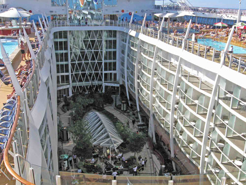 Most luxurious cruise line oasis of the seas