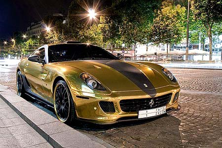 Rich Tycoon Coats His Ferrari In Gold
