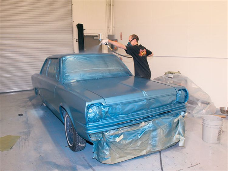 Spray painting a car at home how to spray paint a car at home auto painting how to do it yourself solutioingenieria Images