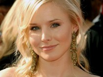 Kristen Bell Signed On To Star In The Lifeguard