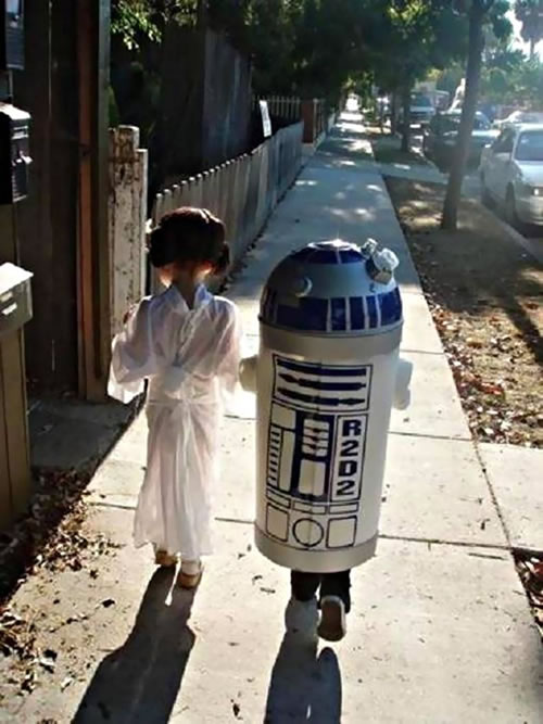 Princess-Leia-and-R2-D2-Kids-Costumes