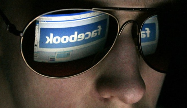 Top 10 Strange Things That People Have Used Facebook For