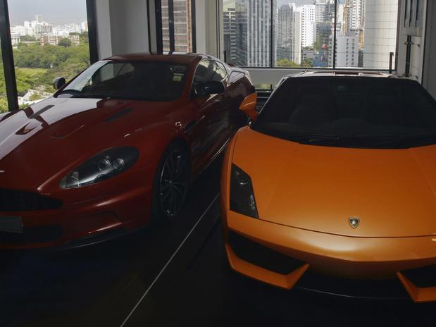 luxury garage 2 image