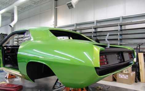 Custom Plymouth Barracuda Hits 208mph Alongside Ferrari Enzo 2