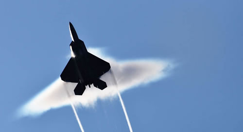 20 Amazing Pictures Of Fighter Jets Breaking the Sound Barrier 13