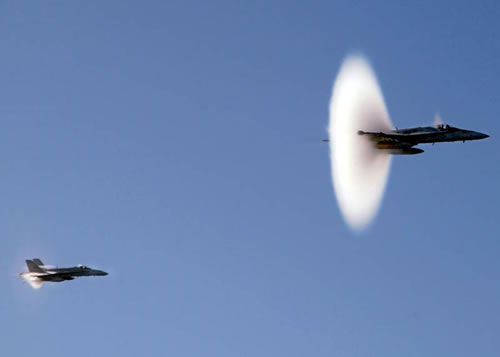 20 Amazing Pictures Of Fighter Jets Breaking the Sound Barrier 15