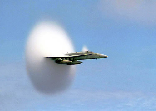 20 Amazing Pictures Of Fighter Jets Breaking the Sound Barrier
