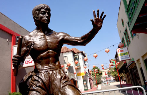 Bruce Lee Statue Unveiled In Los Angeles 1