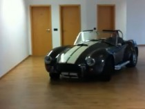 Guy Drifitng An Ac Cobra In His Living Room – Crazy Video