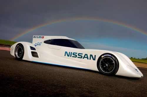 nissan unveil the world 39 s fastest electric racing car at le mans. Black Bedroom Furniture Sets. Home Design Ideas
