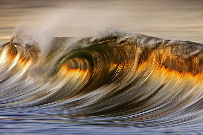 Amazing Long Exposure Photographs Of Golden Waves 1