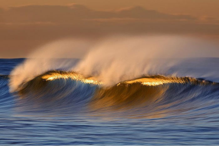 Amazing Long Exposure Photographs Of Golden Waves 2
