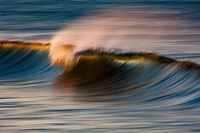 Amazing Long Exposure Photographs Of Golden Waves 5