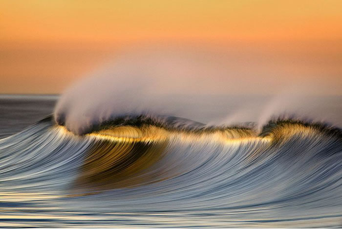 Amazing Long Exposure Photographs Of Golden Waves 7