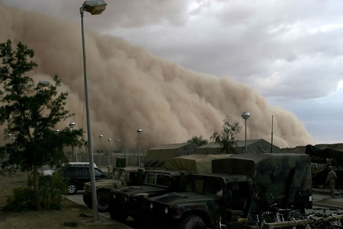 Photos of Dust Storms 9