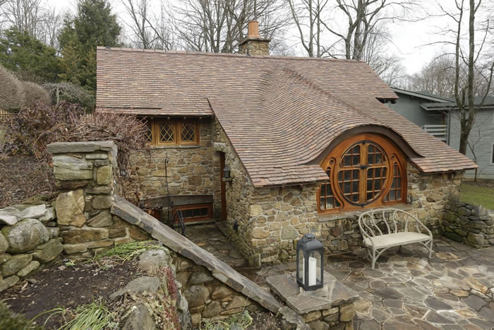 real life hobbit home (1)