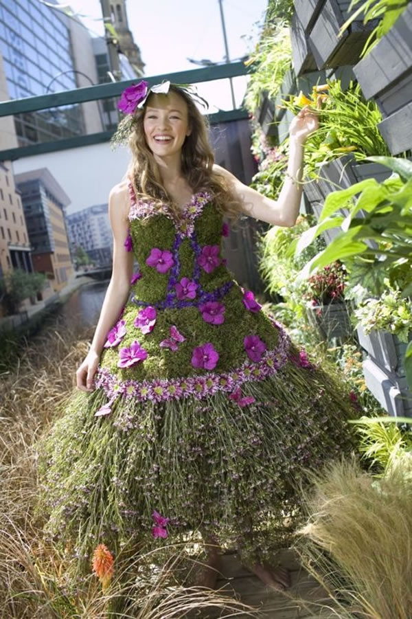 Woman Creates Amazing Dress Made From Flowers For