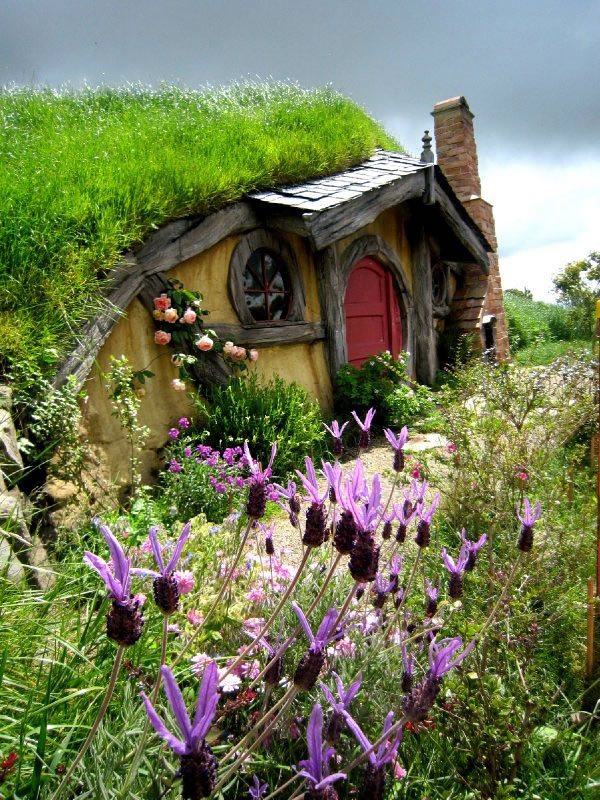 Top Ten Storybook Cottage Homes From Around The World 3