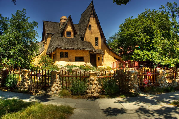Top Ten Storybook Cottage Homes From Around The World 8