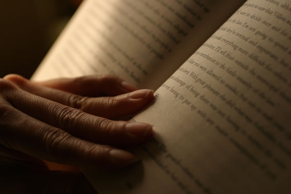 12 Benefits Reading Books Can Have On Your Life 6