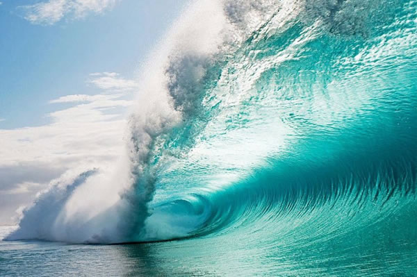 Amazing Pictures Taken Inside A Wave 7