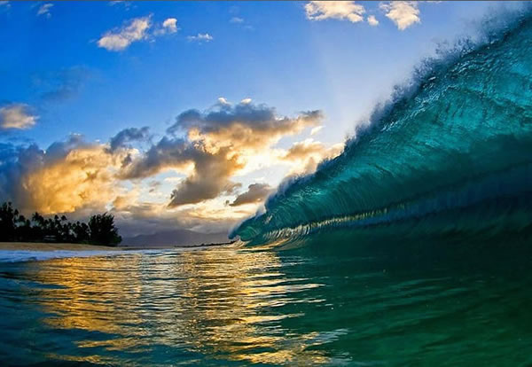 Amazing Pictures Taken Inside A Wave 8