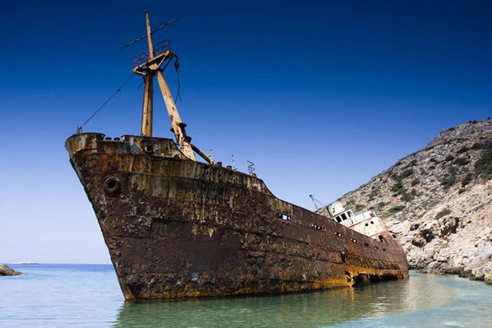 Pictures Of Shipwrecks Around The World 1
