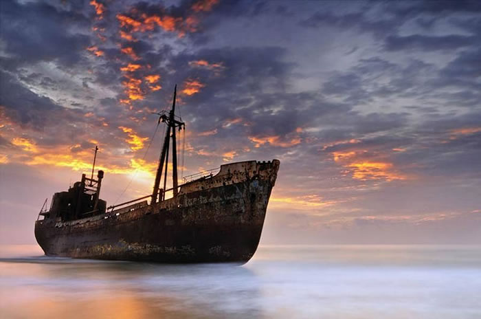 Pictures Of Shipwrecks Around The World 11