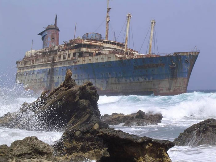 Pictures Of Shipwrecks Around The World 12