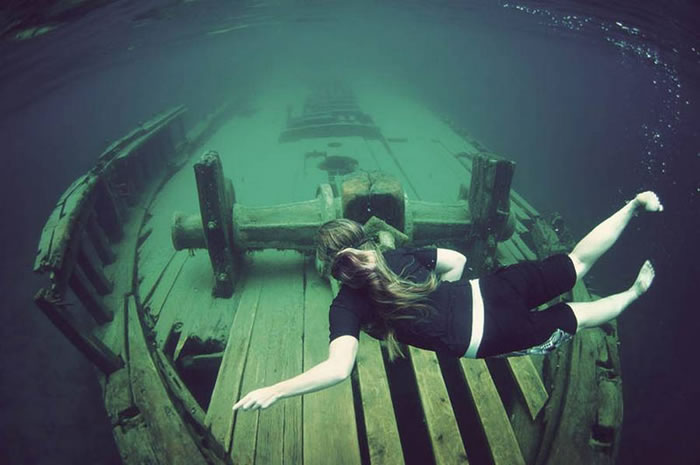 Pictures Of Shipwrecks Around The World 13