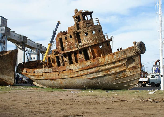 Pictures Of Shipwrecks Around The World 15