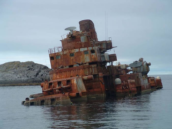 Pictures Of Shipwrecks Around The World 5