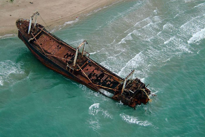 Pictures Of Shipwrecks Around The World 7