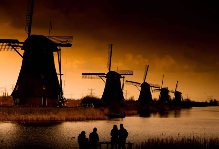 Amazing Photography 10 Picturesque Windmills