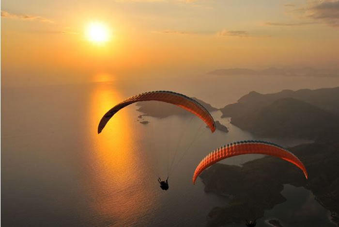 daily adventures - paragliding (2)