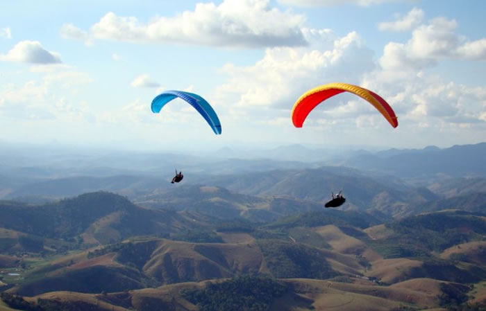 Daily Adventures 21 Amazing Paragliding Images