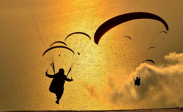 daily adventures - paragliding (7)