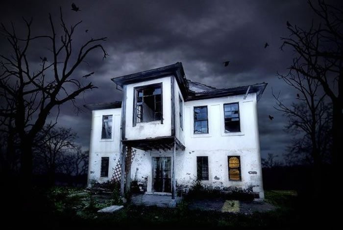 Ten Haunted Houses To Give You The Heebie Jeebies