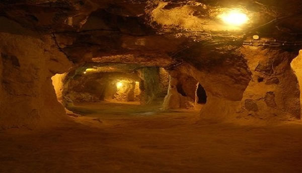 Turkey Tours Intriguing Ancient Underground City Derinkuyu (4)
