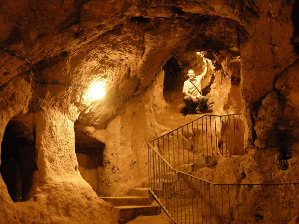 Turkey Tours Intriguing Ancient Underground City Derinkuyu (5)