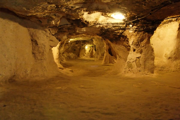 Turkey Tours Intriguing Ancient Underground City Derinkuyu (8)