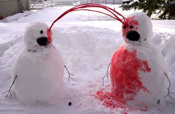 WTF 10 Scary Snowman Holiday Cards You Wouldn't Want (1)