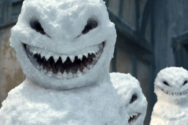 WTF 10 Scary Snowman Holiday Cards You Wouldn't Want (3)