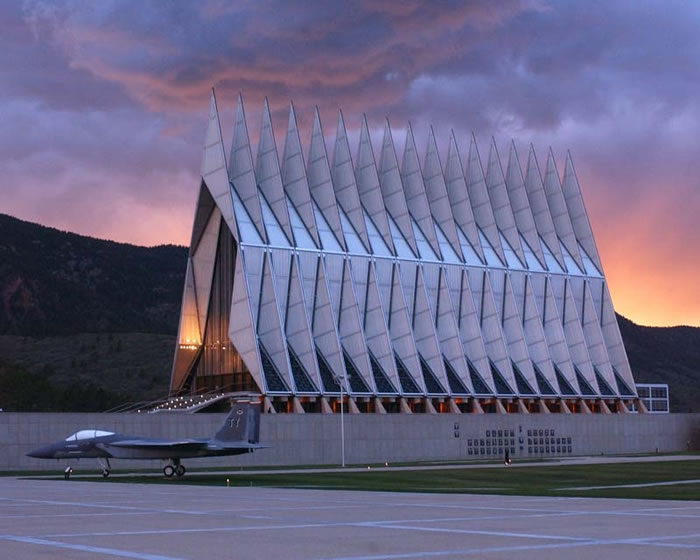 8 Air Force Academy, Chapel Colorado, United States - Online Architecture Gallery Top 50 Most Amazing Designs In The World