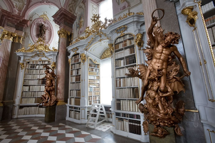 Austria Vacation Largest Monastery Library In The World (4)