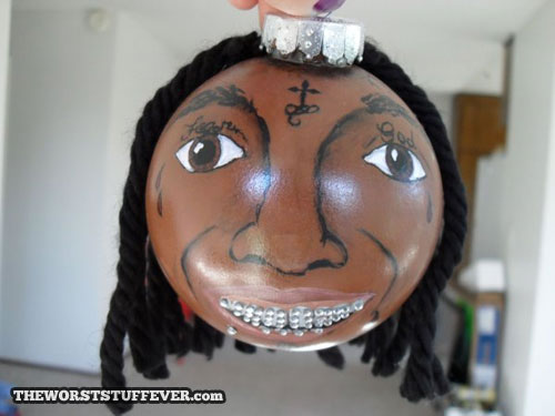 Daily WTF - 33 Worst Christmas Decoration Fails You Wont Believe (29)