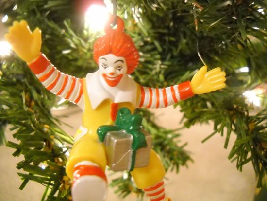 Daily WTF - 33 Worst Christmas Decoration Fails You Wont Believe (30)